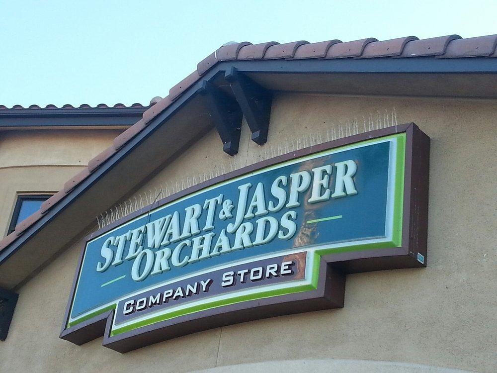 Stewart & Jasper Orchards Company Store