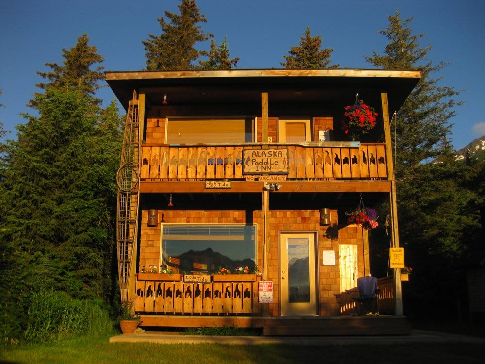Alaska Paddle Inn: 13745 Beach Dr, Seward, AK