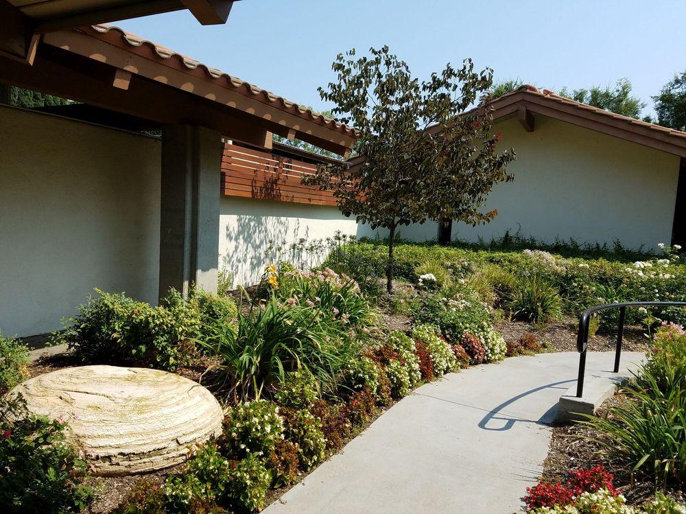 Calabasas Tennis & Swim Center: 23400 Park Sorrento, Calabasas, CA
