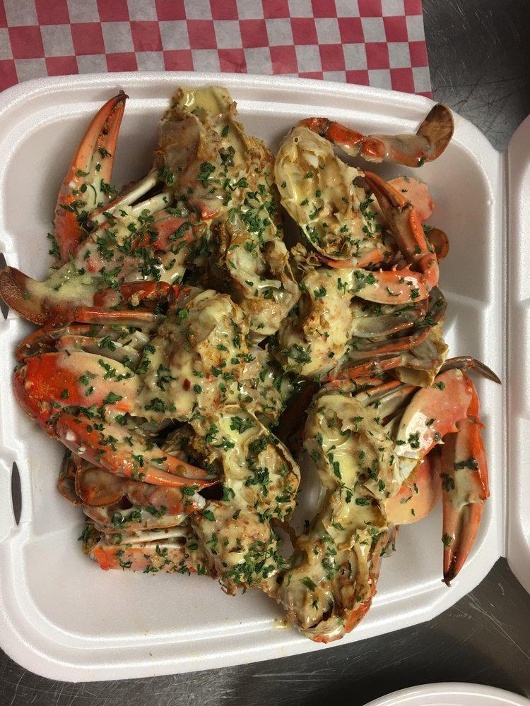 Genesis Le Bleu Waters Restaurant: 6005 Center Station Ct, Ravenel, SC