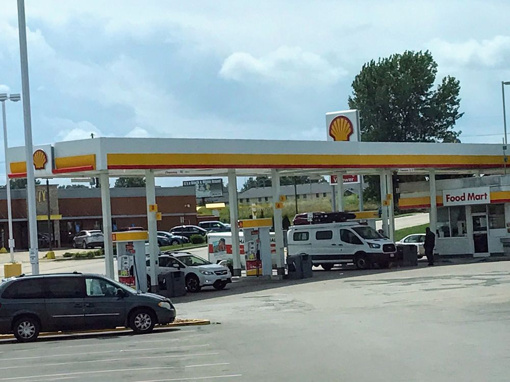 Shell Gas Station: 102 NW 4th St, Concordia, MO