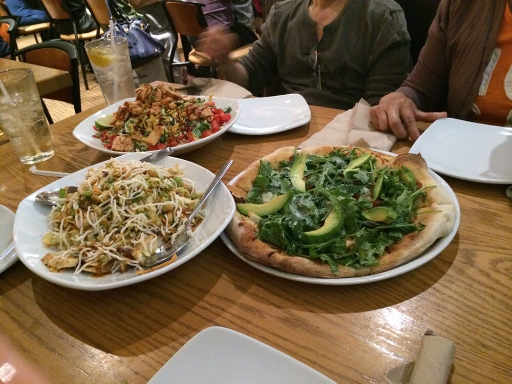 California Pizza Kitchen 199 Photos 144 Reviews Pizza 1 Garden State Plz Paramus Nj