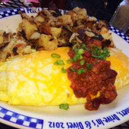 ... . Texas Chili & cheese omelet w/ O'Brien potatoes, best Chili ever