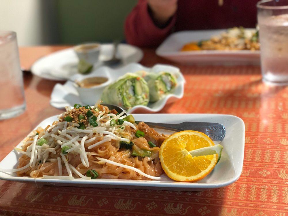 Changmai Thai: 25 S Spokane St, Walla Walla, WA