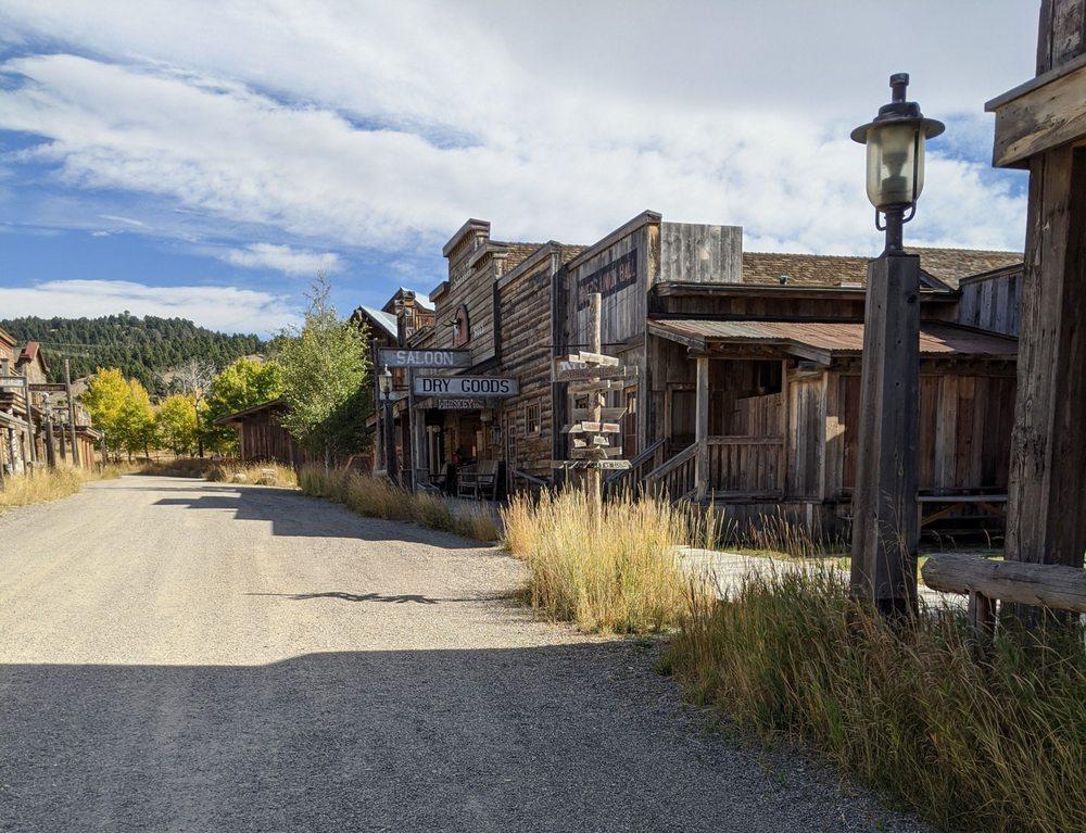 Crazy Mountain Ranch: 104 Hammond Creek Rd, Clyde Park, MT