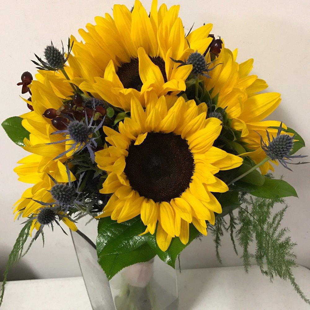 Lutey's Flower Shop: 1015 N 3rd St, Marquette, MI