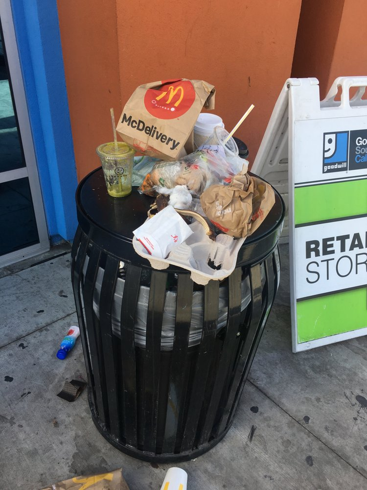 Mobile Cleaning Service Washes Dirty Trash Cans Ktvn Channel 2 Reno Tahoe Sparks News Weather