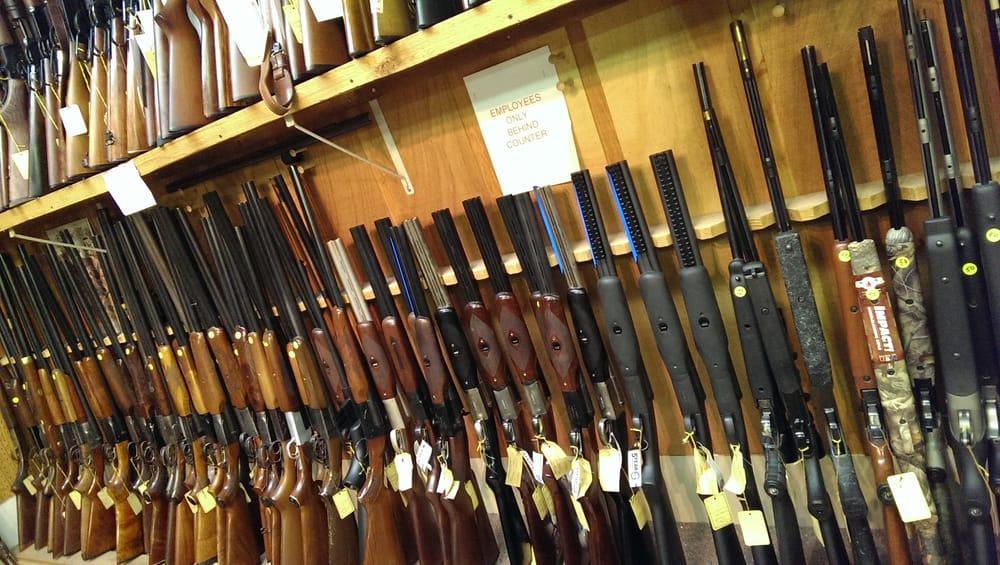 Pekin Gun & Sporting Goods: 281 Derby St, Pekin, IL