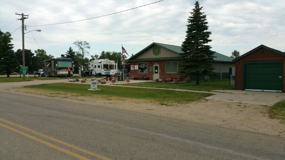 County Line Rv Campground Bed & Breakfast: 903 Maple St, Summit, SD