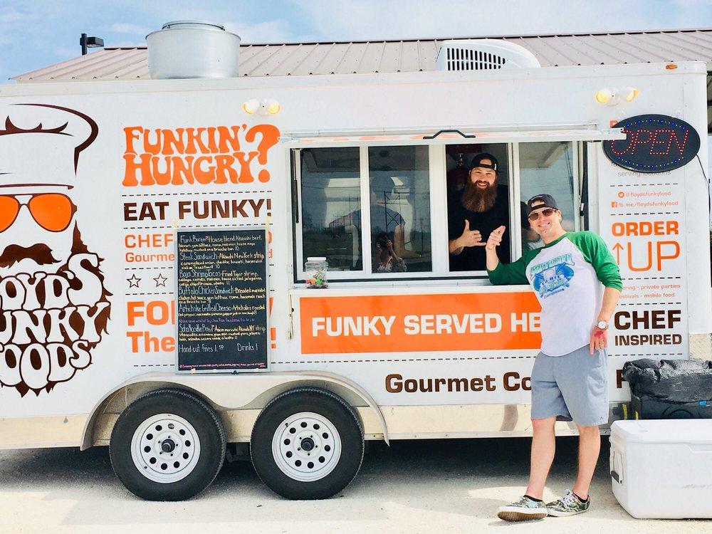 Floyd's Funky Foods: 204 TX-123, Karnes City, TX