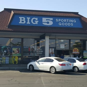 Find BIG brands for low prices in sporting gear, fitness equipment, active apparel, and sport-specific shoes and cleats. Buy online or in-store!