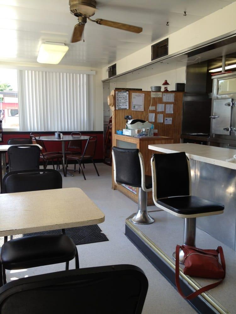 Bennington Cafe: 415 E Bennington St, Bennington, KS