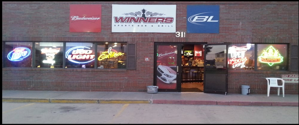 Winner's Sports Bar & Grill: 311 2nd St S, Sartell, MN