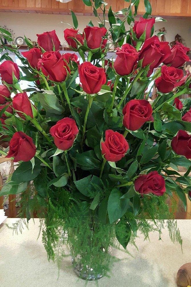 A-Bou-K Florist & Gifts: 1860 Hwy 605, Newellton, LA
