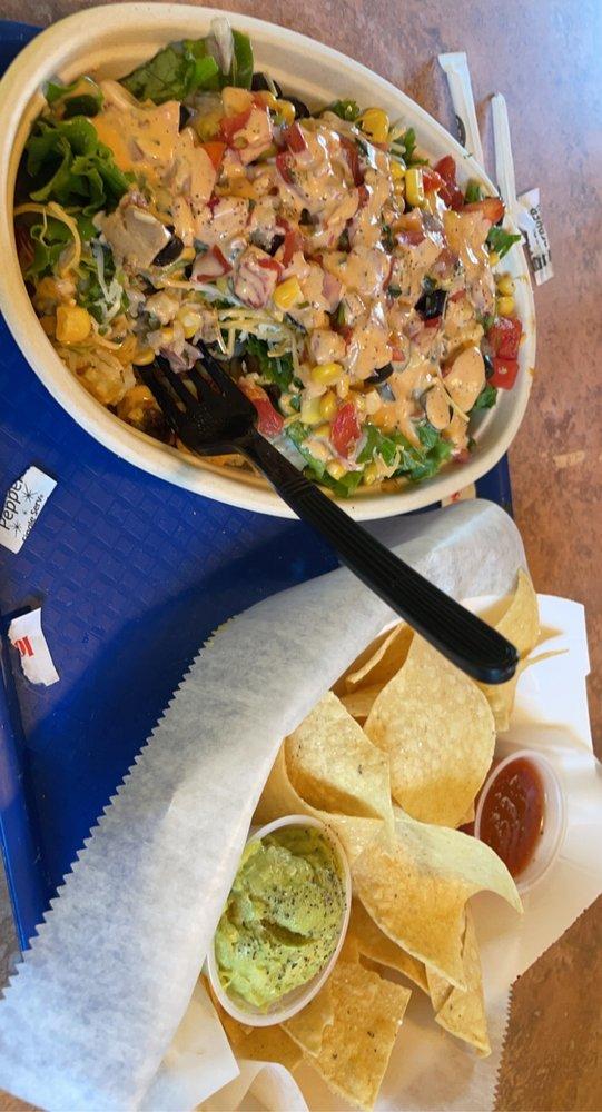 Pablos Tacos: 812 Oak St, Eatonton, GA