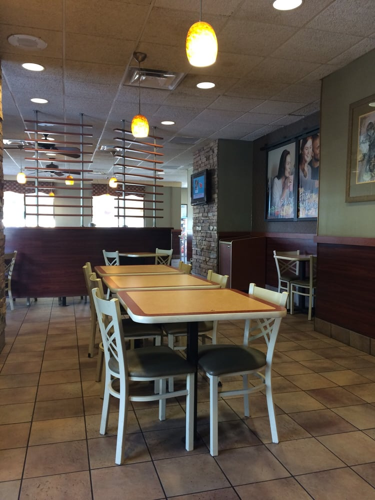 Burger King: 205 Cypress Gardens Blvd SW, Winter Haven, FL