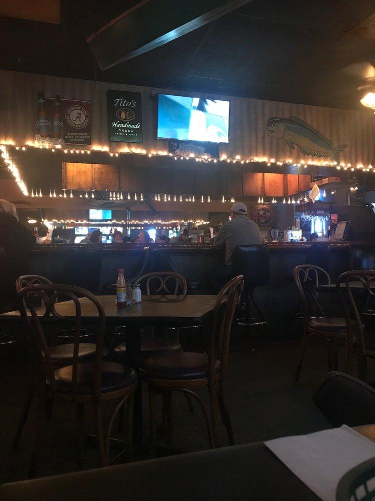 Pratt Pub & Oyster Bar: 1720 E Main St, Prattville, AL