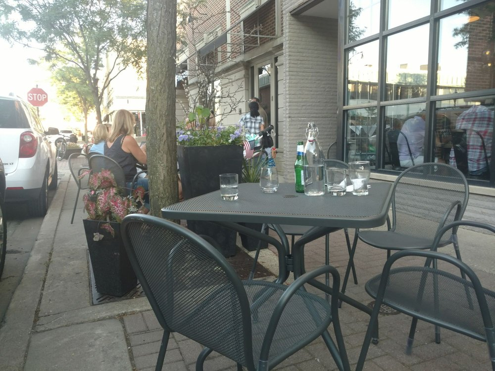 Arlington Heights Restaurants With Outdoor Seating