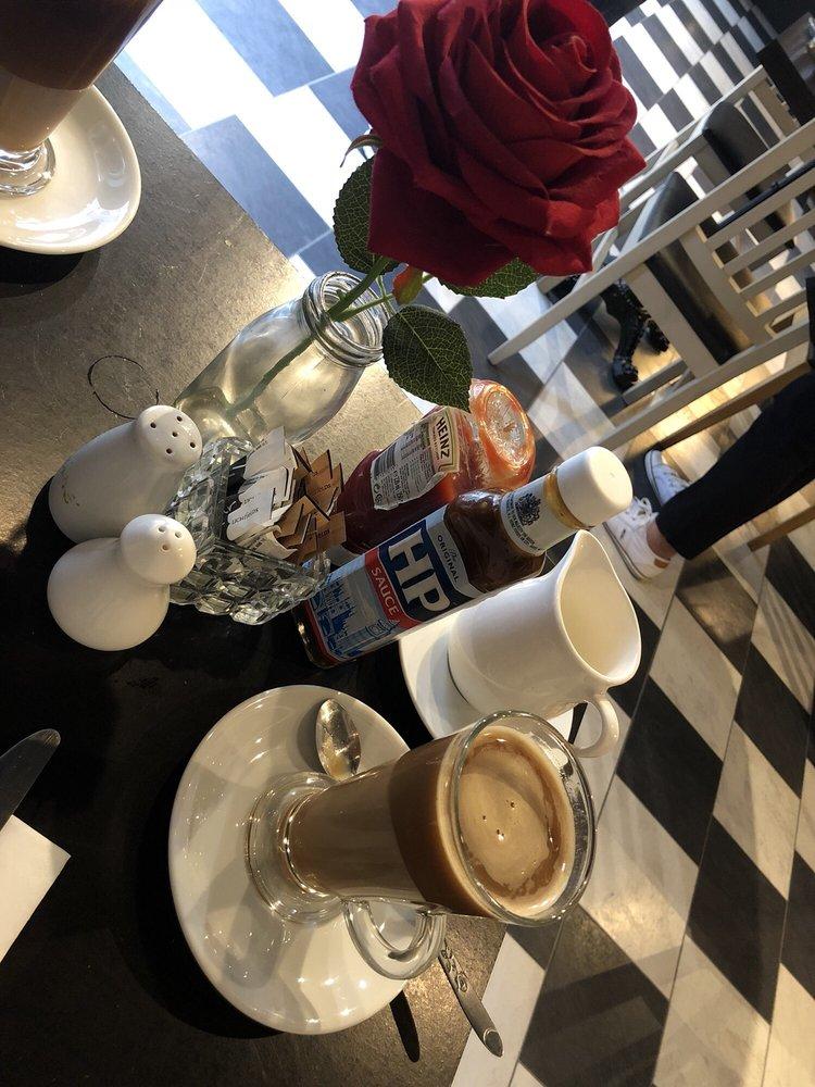L'etoile Salon De Tea