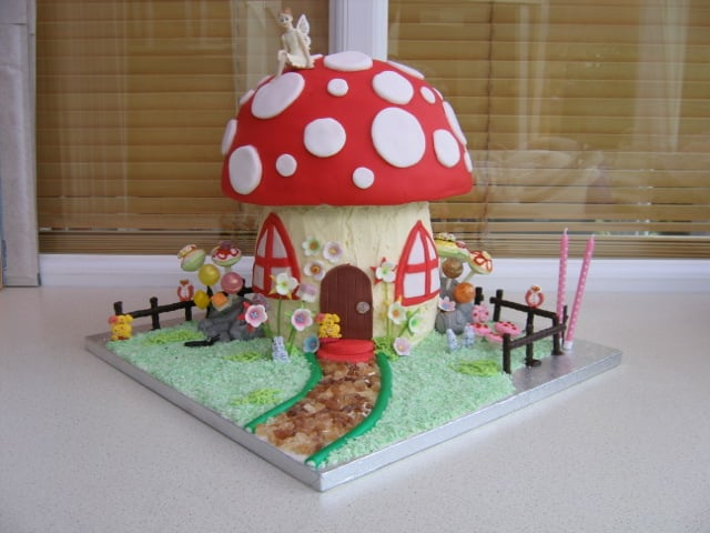 Cake Design Horley : Cake Design - Bakeries - Unit 6 Birchfield Park Ifield ...