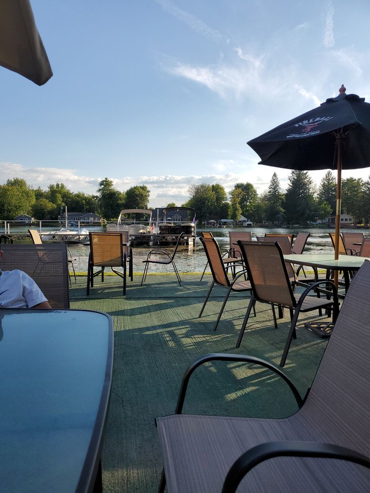 Wild Horse BAR & GRILL: 720 COUNTY ROUTE 37, CENTRAL SQUARE, NY