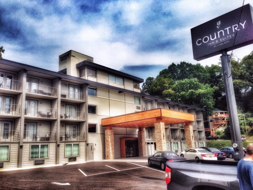 Hotel Country Inn & Suites by Radisson, Gatlinburg, TN This is a Preferred Partner property. It's committed to giving guests a positive experience with its excellent service and great value. This property might pay codermadys.ml a little more to be in this Program/10().