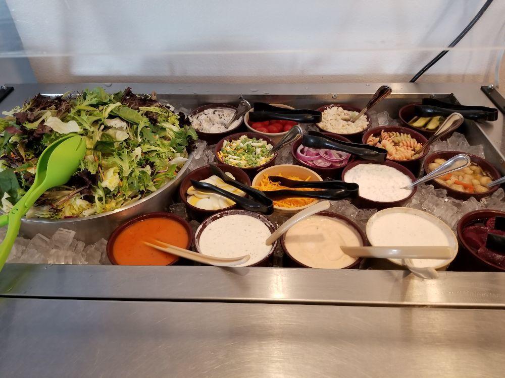 RW's Dining & Drinks: 102 S Maple Ave, Davenport, NE
