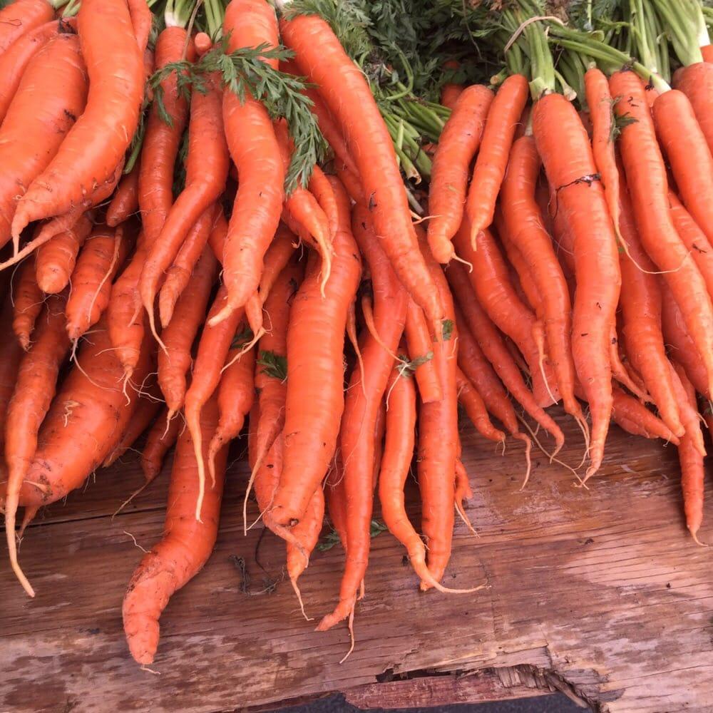 Paramount Farmers Market: 15500 Downey Ave, Paramount, CA