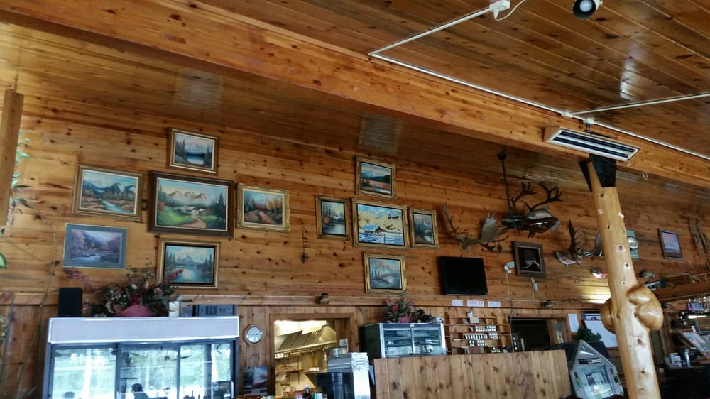 H & H Lakeview Lounge & Restaurant: Mi 995 Park Hwy, Talkeetna, AK