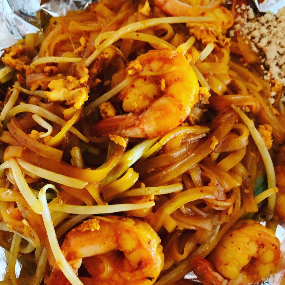 California Thai Cafe: 9550 Black Mountain Rd, San Diego, CA