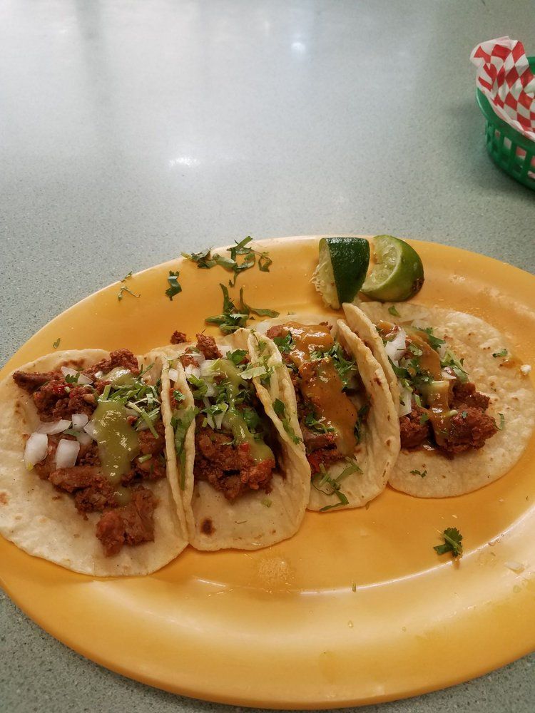 Tacos El Tajin: 400 1st Ave N, Algona, WA