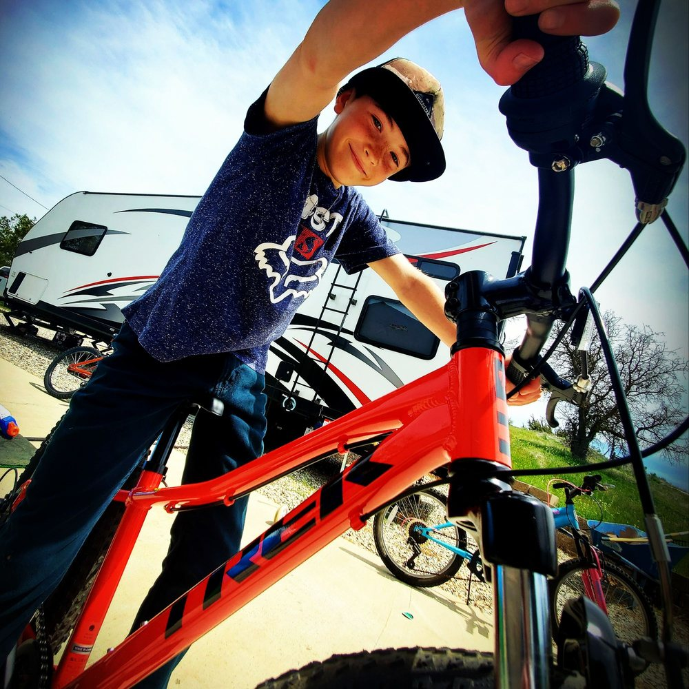 The Squeaky Wheel Bike Shop: 422 W Rancho Vista Blvd, Palmdale, CA