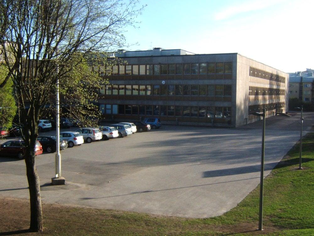 Suomalainen Yhteiskoulu  13 Photos  Primary Schools  Isonnevantie 8, Etelä