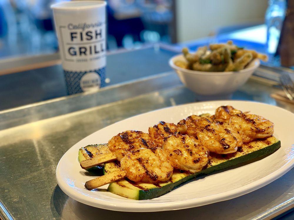 California Fish Grill: 1185 W Renaissance Pkwy, Rialto, CA