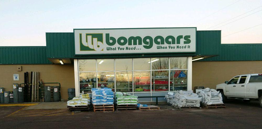 Bomgaars Supply: 405 W Interstate Dr, Luverne, MN