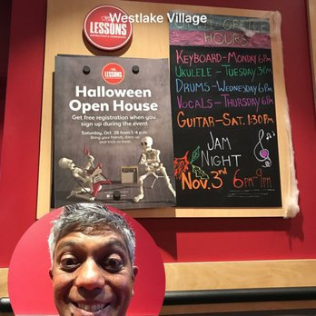 Guitar Center Hours – Additional Details Almost all stores follow the above schedule, but some stores in busier locations stay open until 9 PM even on weekends. Search for any location's address in the Guitar Center Store Finder to view its unique hours.