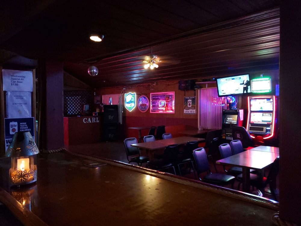 Hide Out Bar: 1420 Salem Rd, Mount Vernon, IL