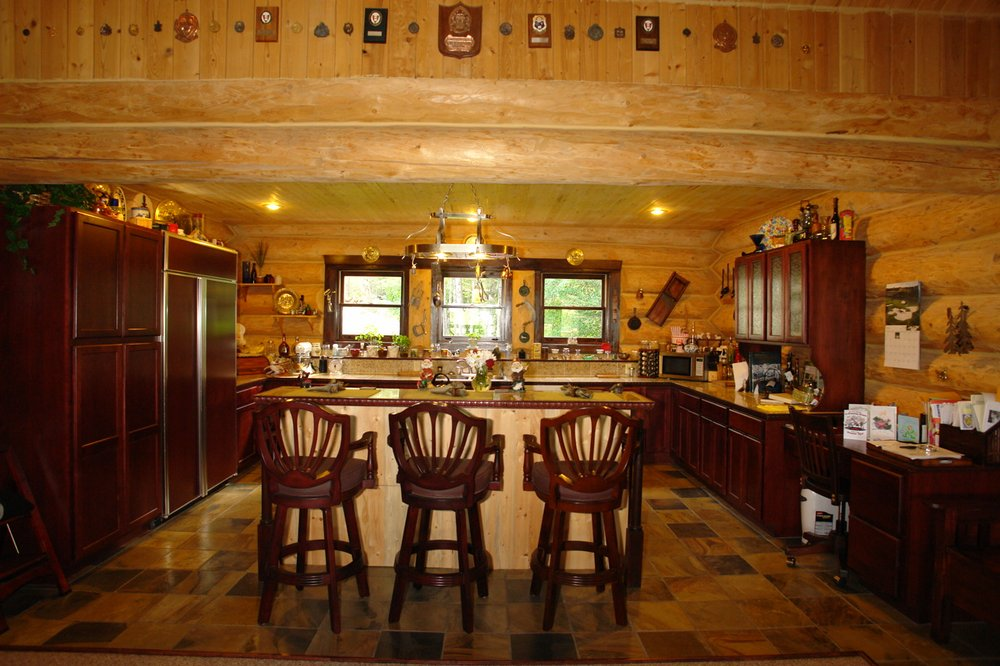 Garrison Inn: 2235 Ashley Lake Rd, Kalispell, MT