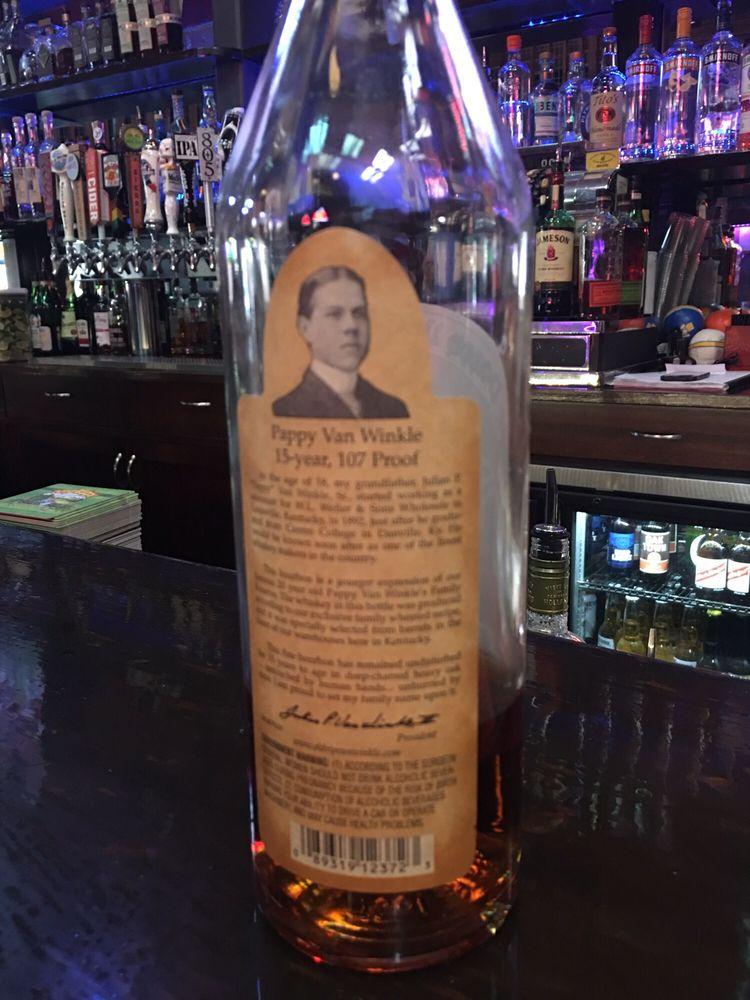Susie's Bar: 1365 Lincoln Ave, Calistoga, CA