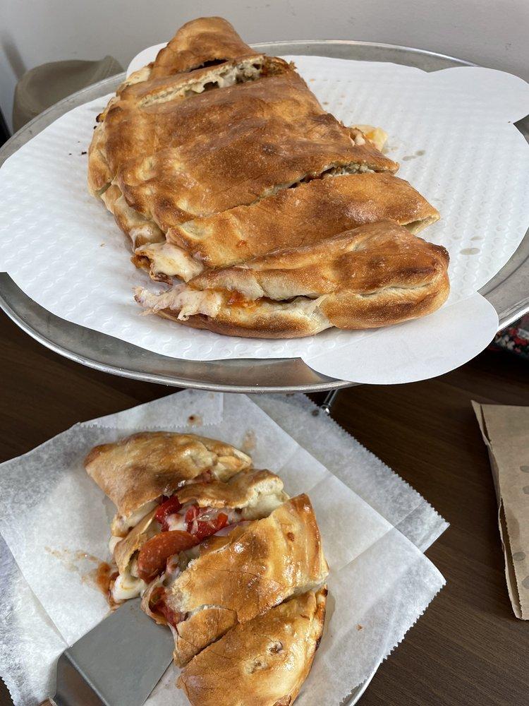 Leila Jo's Cafe & Bakery: 246 W Mahoning St, Punxsutawney, PA