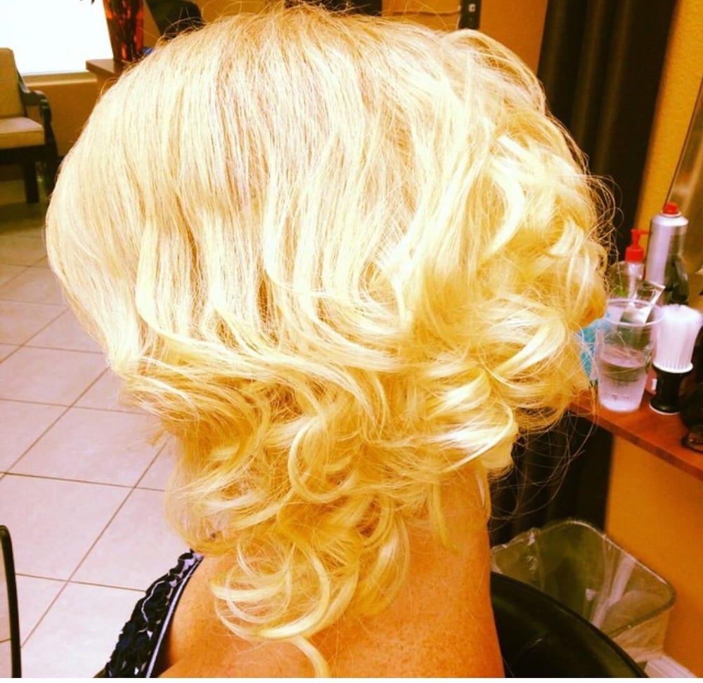 Oasis Salon 74 Photos 11 Reviews Hair Salons 18731 S Dixie