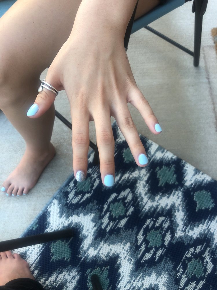Katie Nails: 318 W State Hwy 152, Mustang, OK