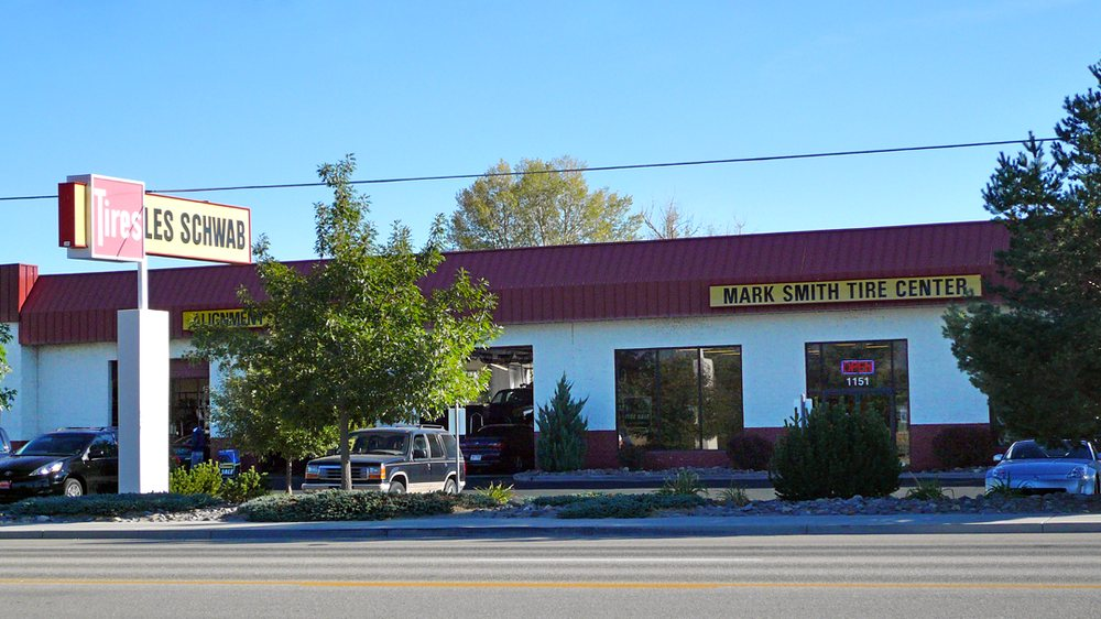 Les Schwab Tire Center: 1151 Us Hwy 395 N, Gardnerville, NV