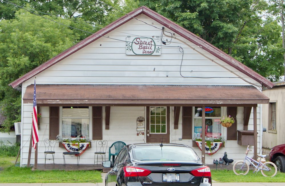 Sweet Basil: 118 Mappa Ave, Barneveld, NY