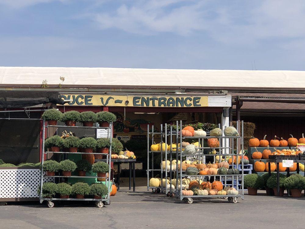 Newtown Farm Market: 3950 Round Bottom Rd, Cincinnati, OH