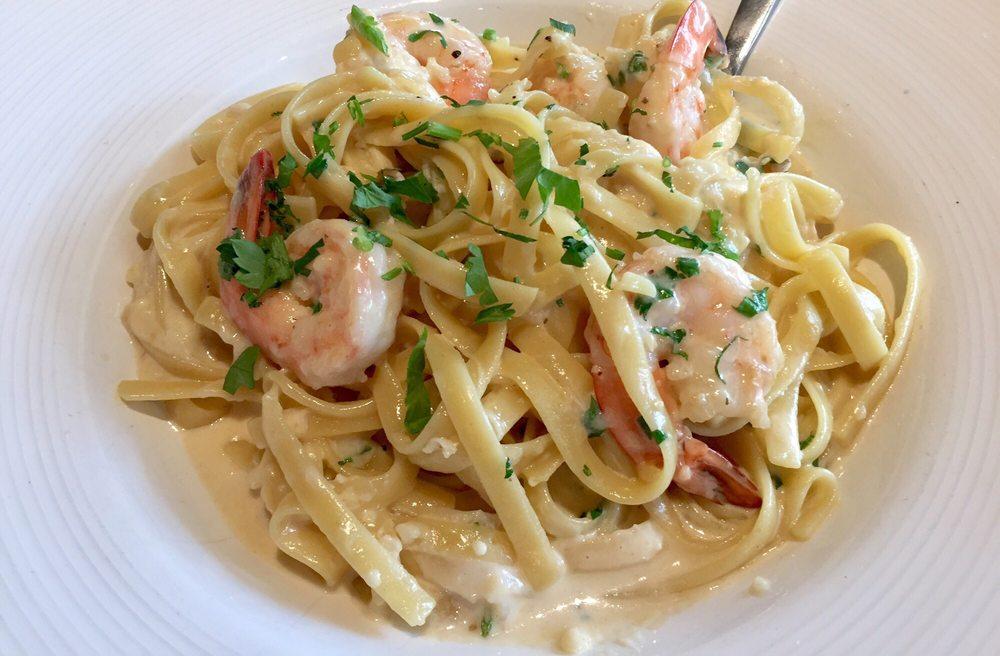 Photo Of California Pizza Kitchen   Bellevue, WA, United States. Garlic  Cream Fettuccine