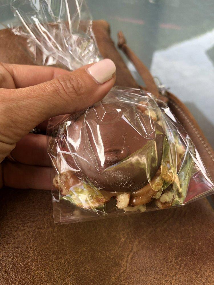 Sydney Bogg's Sweet Essentials: 3233 12 Mile Rd, Berkley, MI