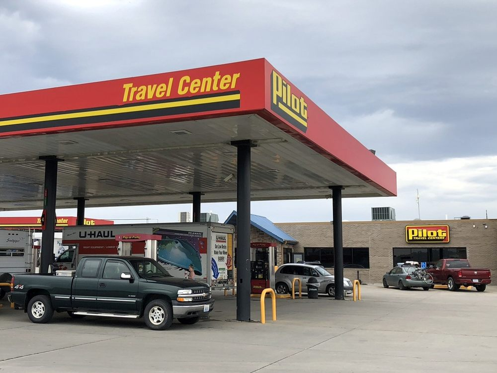 Pilot Travel Center: 2495 210th Ave, Percival, IA