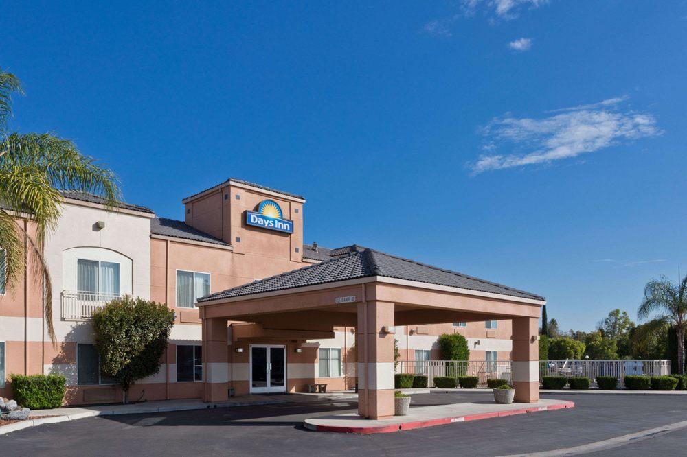 Days Inn by Wyndham Lathrop: 14750 South Harlan Road, Lathrop, CA