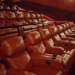 Mann Theatres Plymouth Grand 15 12 Kuvaa Amp 31 Arvostelua